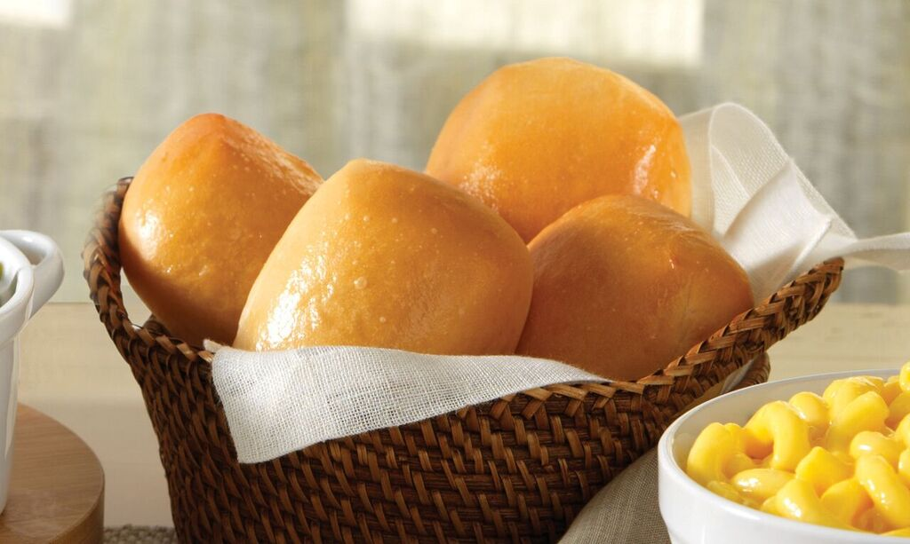 Golden Corral On Twitter Six Of Our Fluffy Famous Yeast Rolls
