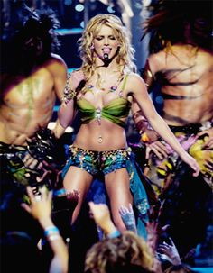 Slaveney #MTVStars Britney Spears @hannahspears https://t.co/yoVEf3s3UA