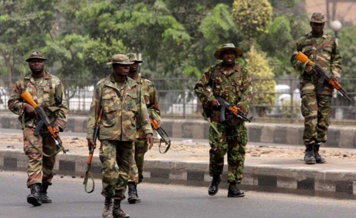 Military, Shiite Muslims Clash in Nigeria https://t.co/ekLaLK79SH #Nigeria https://t.co/26glSIhY8v