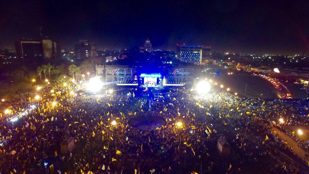 Qué buena foto! #TigresCampeón https://t.co/IkMKFBbGG3