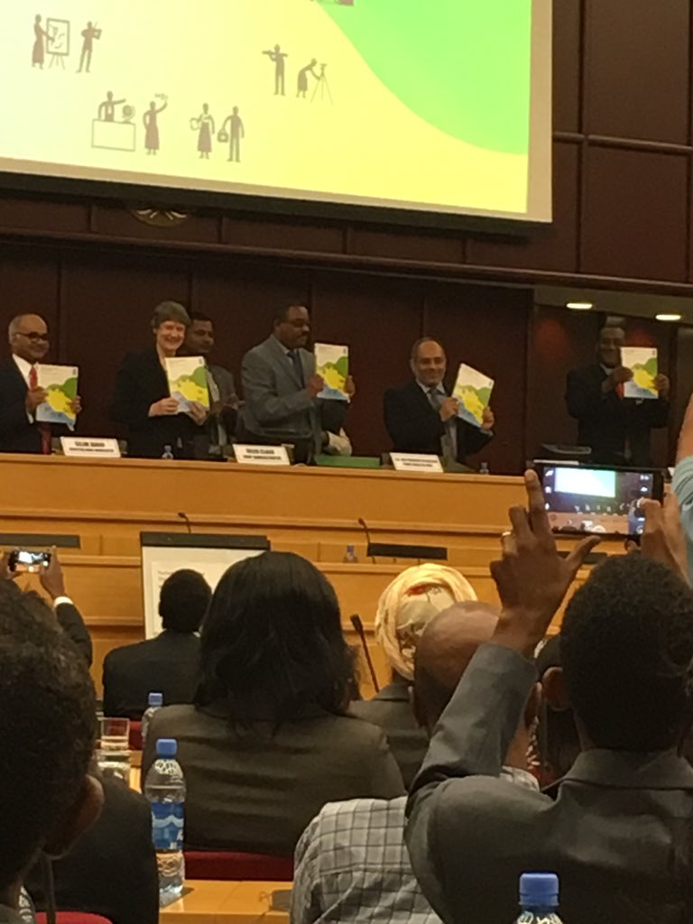 #HDR2015 officially launched on the theme, 'work for development' https://t.co/SlypatJEFE