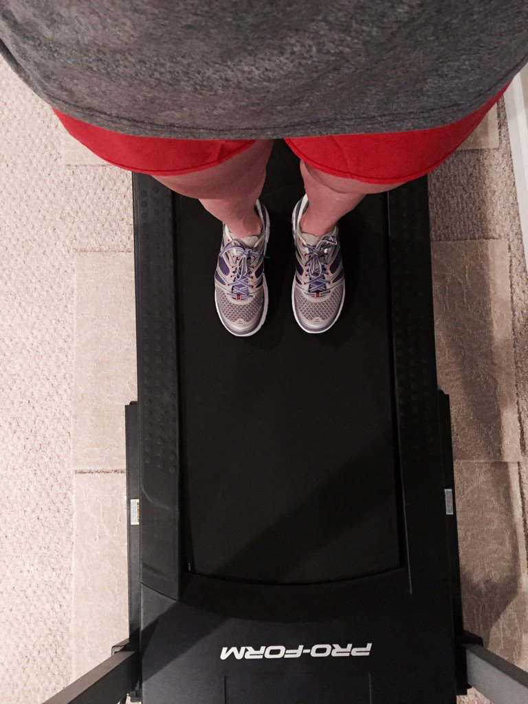 A surprise from my hubs. I now have a choice if I don't want to run at 4:30am in the pitch black. #treadmilllove <br>http://pic.twitter.com/o16Ox4PZe7