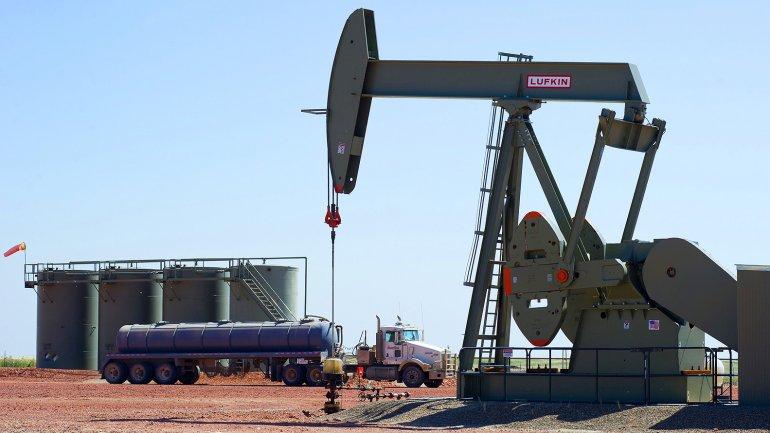 Prezzo del petrolio più basso dal 2009
