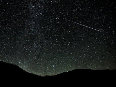 一番のピークは明け方の3時。流星のシャワーが降りそそぐ! 今年のふたご座流星群がスゴイわけ https://t.co/lBKnjRTk4O #mylohas https://t.co/YaYEPl3LvL