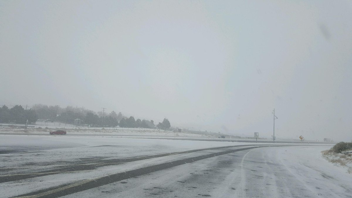 Snow on I 15 @  Nevada State Line.   Slow down. https://t.co/U4L2QMFKGR