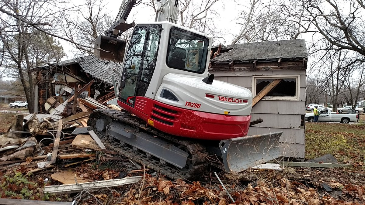 Contractor will clear away debris and we will bill the owner for the demo. This one came to $4,800. https://t.co/QvokggVZw4