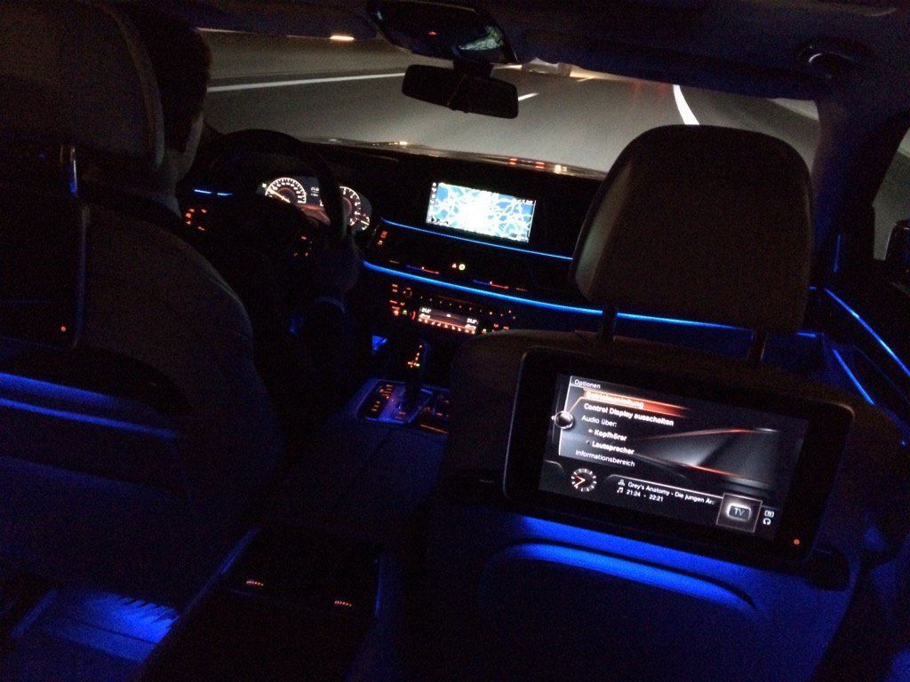 Shane O Donoghue On Twitter The Interior Of The Bmw 7 Series Really Comes Alive At Night Https T Co 0qoucgbszt