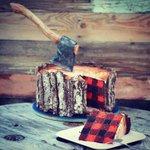 斧まで食べれる「木こりのケーキ」が超リアル!