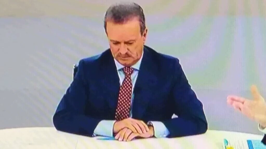 -Pues si no me dejáis hablar, me enfado y no respiro. #CaraACaraL6 https://t.co/lytpBYK9j2