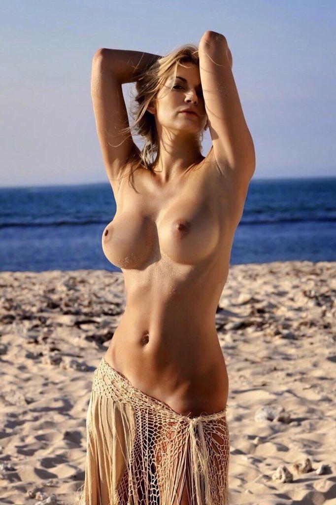 фото горячих голых девушек