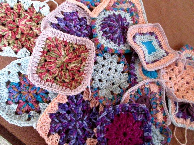 1個でコースター♡繋げてひざ掛け♡四角モチーフ編みにチャレンジ♪
