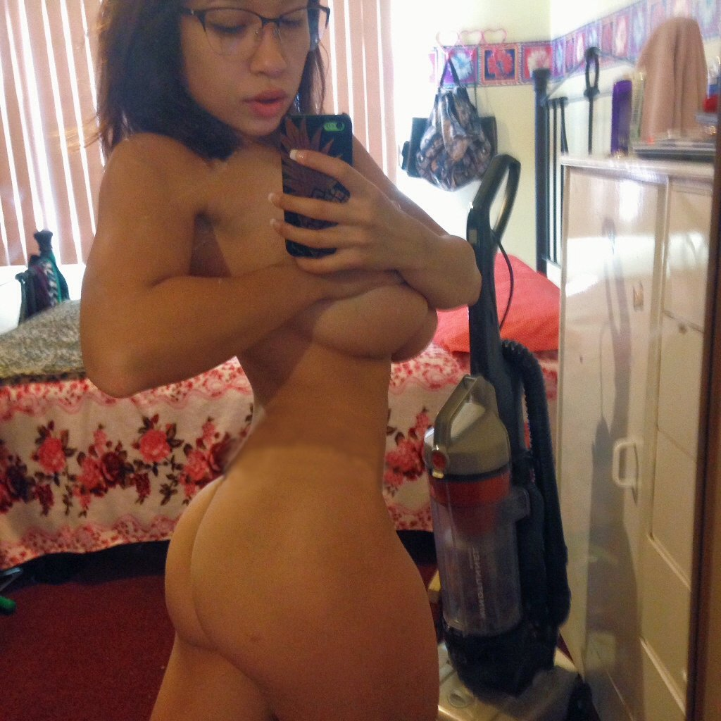 Hot girls completely naked