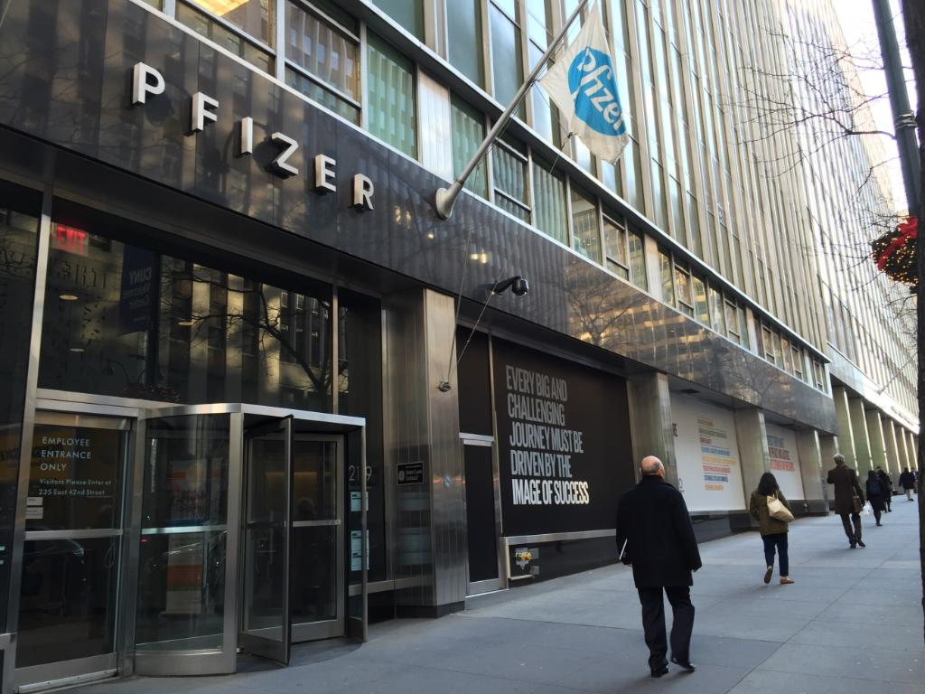 Pfizer Inc On Twitter Check Out Our Latest Window Display At Nyc Hq Globalgoals Https T Co Yw88qtpiqm