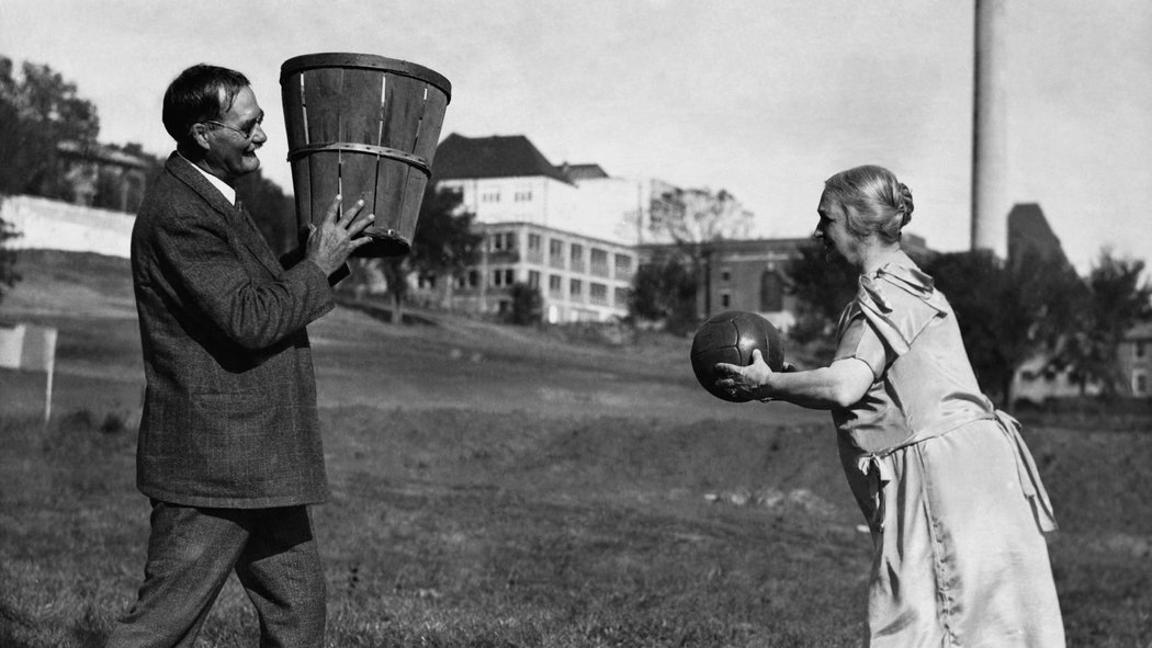KU released the only known voice recording of Dr. James Naismith https://t.co/wftdOMtHyY (h/t @SBNation) https://t.co/GZK5pyGrt4