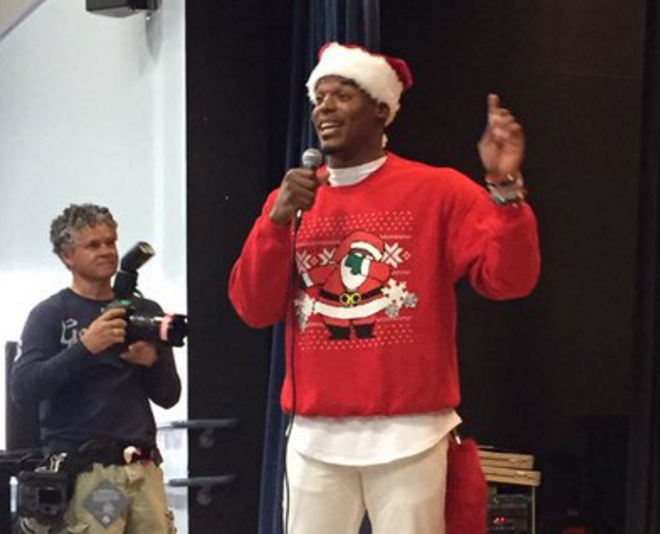 best website 9c0c0 0ba05 Cam Newton Dabbing Santa : Cam Newton surprises local kids ...