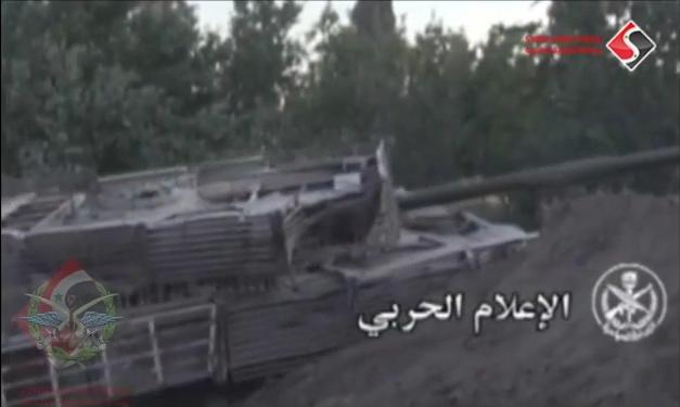 الوحش الفولاذي لدى قوات الجيش السوري .......الدبابه T-72  - صفحة 2 CWT0sM6XIAQC9OP
