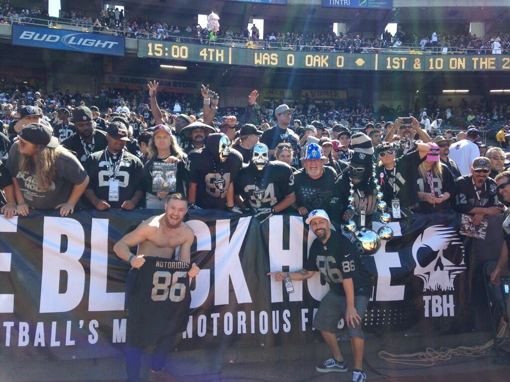 The Black Hole had no idea back at 2013 opener. That's @TheNotoriousMMA showing #Raiders colors. Pic from @dethrone https://t.co/Vkb8XcU0Y3