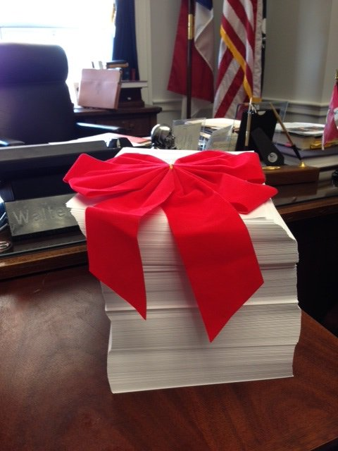 Washington's idea of a Christmas present: a 2,009 page #omnibus that rips off the taxpayer. #nc03 #ncpol https://t.co/hvyZbePKXc
