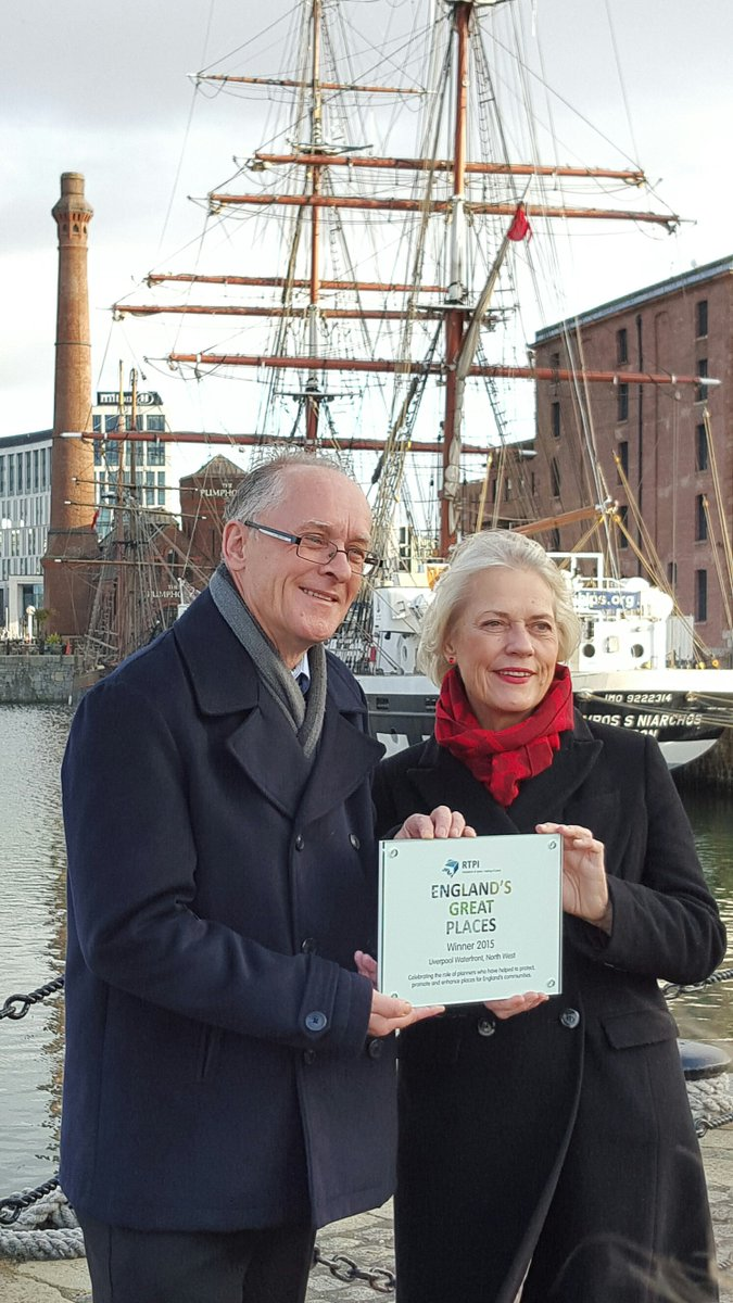 Councillor Kennedy receiving the #RTPIgreatplaces Winner's Award from @rtpipres on behalf of @lpoolcouncil, congrats https://t.co/MmH6IvOBxa