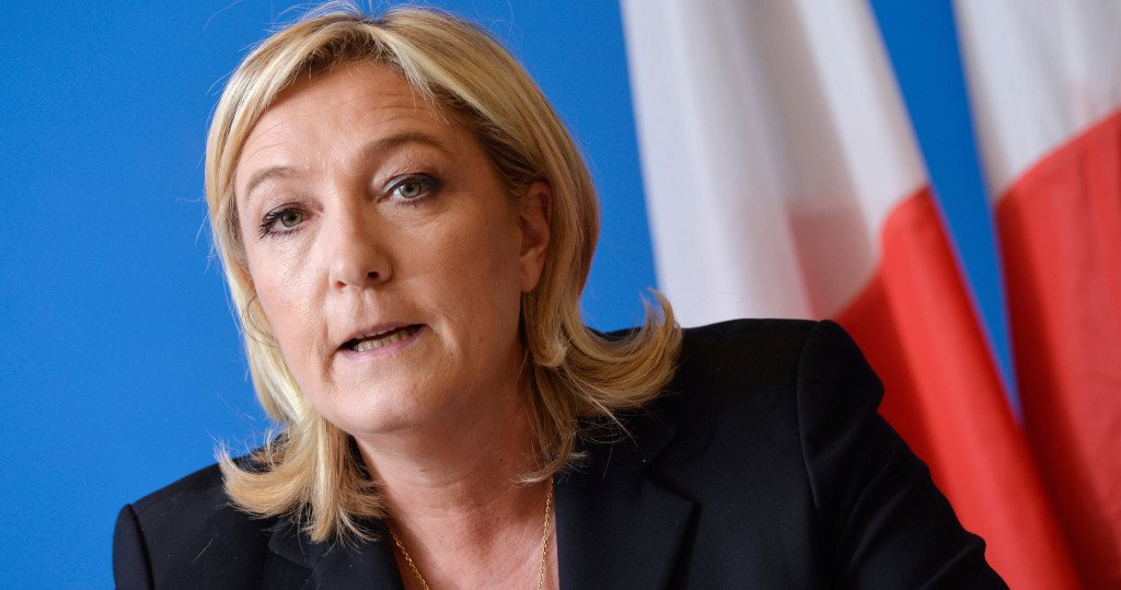Marine Le Pen risque 5 ans de prison pour ses tweets - https://t.co/JKKwILL6ua https://t.co/DH1UG4CQ9K