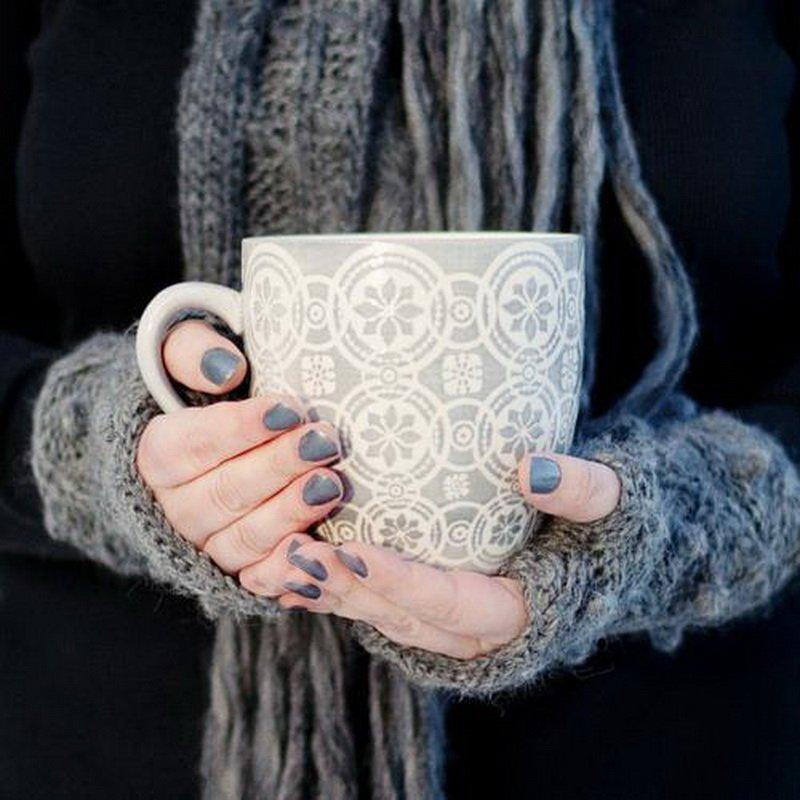 картинки кофе руки свитер кто-то вас вспомнил