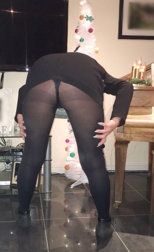 Bending over in pantyhose