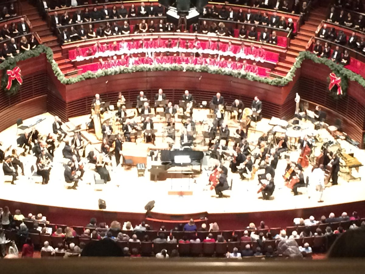 denise nakano on twitter getting into the holidayspirit with the philly pops christmas spectacular kimmelcenter httpstcocljf77x86p
