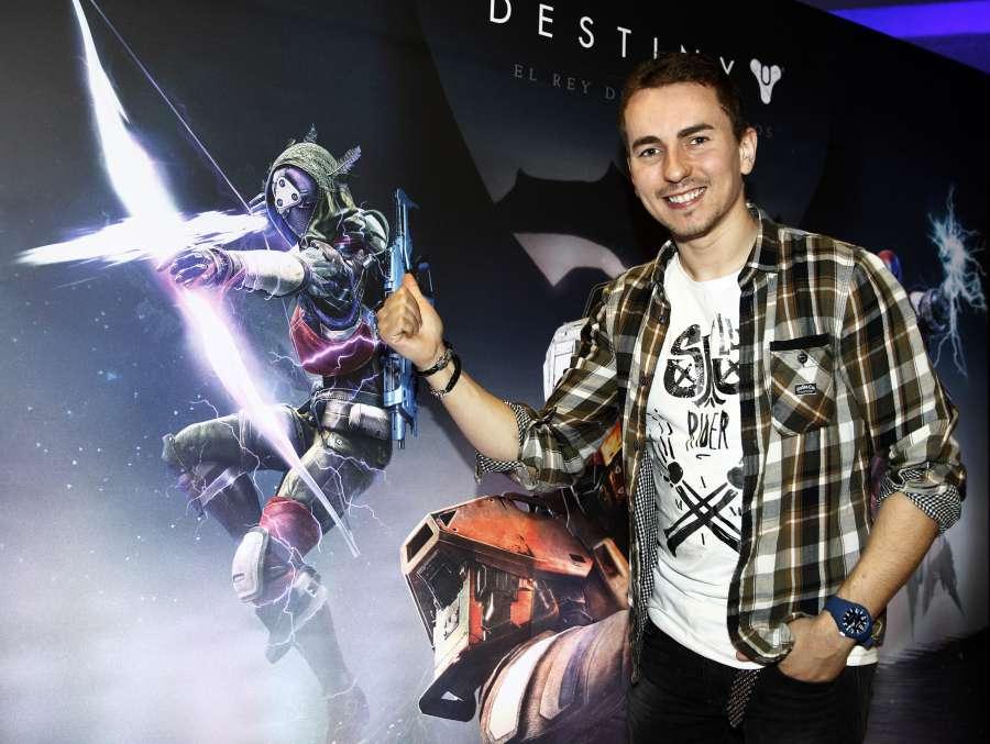 Jorge Lorenzo alla presentazione di Destiny Videogame PS4