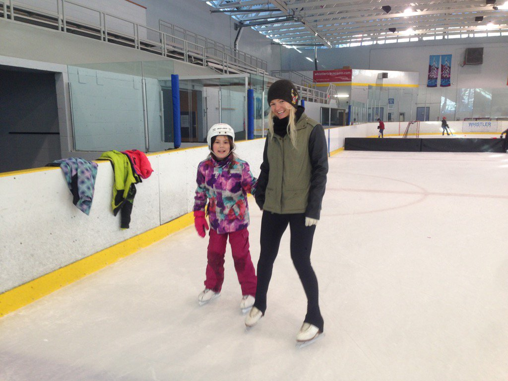 Mercedes Nicoll Figure skating with Myrtle Philip kids