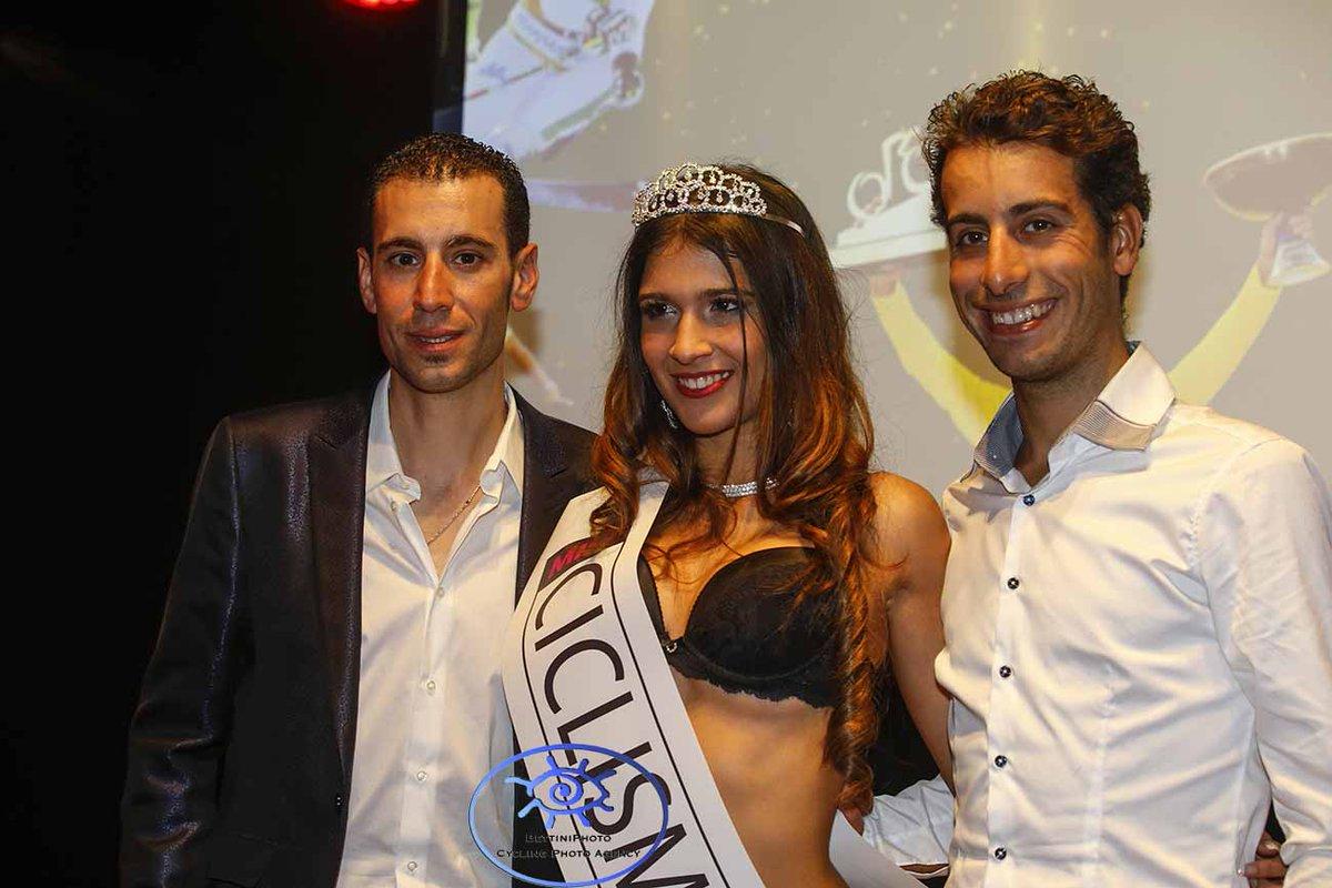 Asia Fornari Miss Ciclismo 2015 premiata da Fabio Aru e Vincenzo Nibali