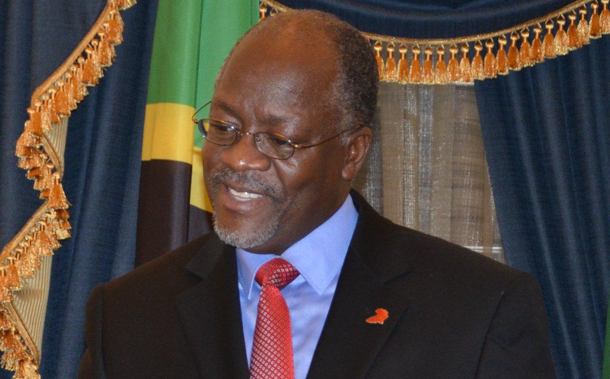 Magufuli amfuta mkuu wa kupambana na rushwa http://bbc.in/1IapPqz