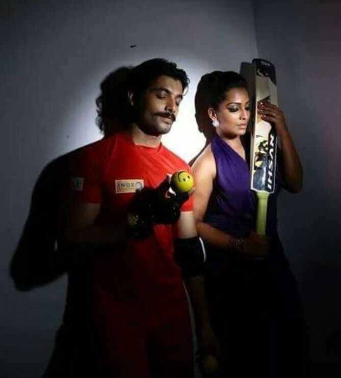 Ssharad Malhotra-Meghna Naidu in Kolkata Babu Moshayes in Box Cricket League season 2