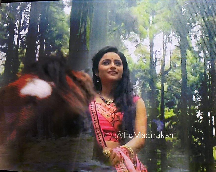 Madirakshi Mundle as Sita in Siya Ke Ram Image Picture