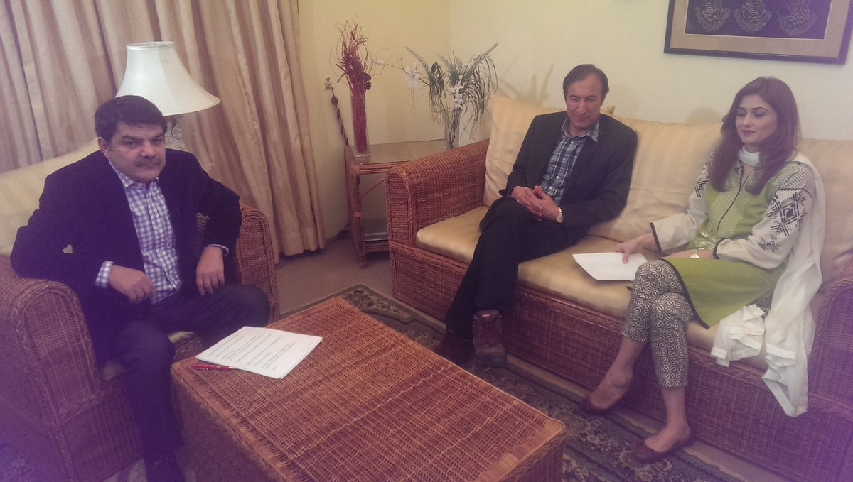 :( RT shoaibsb1: An Exclusive interview with ex. hsbnd of RK & his Wife. mubasherlucman FarhanKVirk  2nyt #KSach 1…