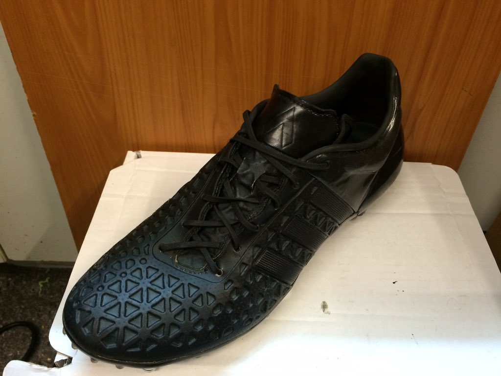 adidas ace 15.1 blackout