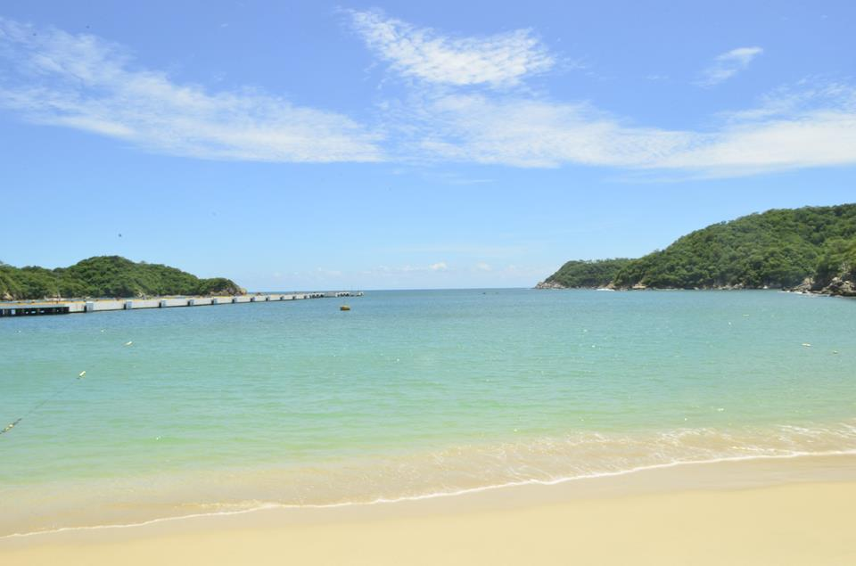 How are you celebrating #BeachThursday today? #DreamsHuatulco #beachlife https://t.co/SpDROJaXbd https://t.co/nQCZBiJaNT