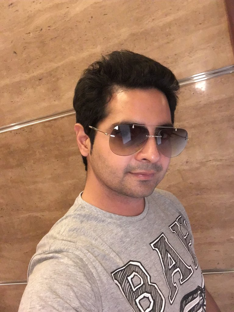 Karan Mehre,Yeh Rishta Kya Kehlata,Big Boss 10,StarPlus,Colors,Reality Show,serial,actors,pics,pictures,images,photos,hd
