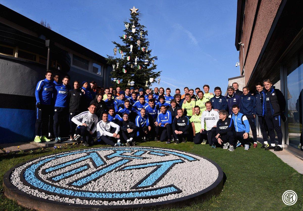 Auguri Di Buon Natale Inter.Inter On Twitter Vi Piace Il Nostro Albero Di Natale Auguri Dalla