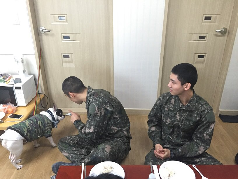 [N407 Website] Update BUGSY Diary chatting with changmin Siwon & Changmin #동방신기 #최강창민 #심창민 https://t.co/i2y6vxzZUq