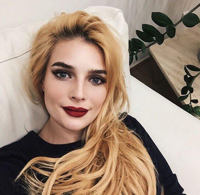 Tatyana Tatiana-kotova  - Казалось бы twitter @Kottova