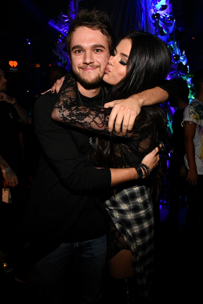 SO MUCH LOVE! #Zedd #SelenaGomez & MORE at #Z100JingleBall will be on @CW_network at 8pET! https://t.co/ImKoFunvR1