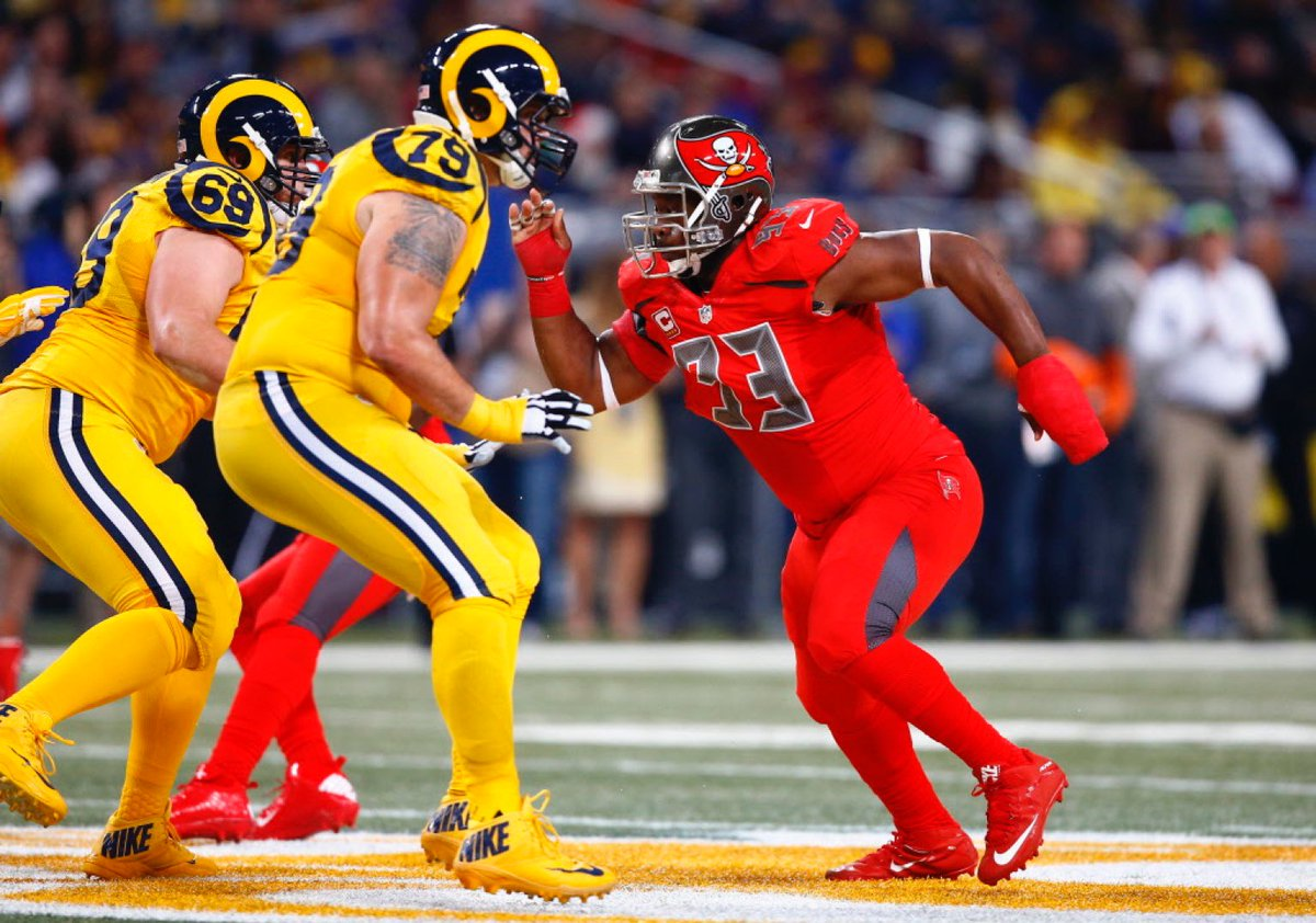 The #NFL is staging a moving tribute to ketchup and mustard tonight  Dear @NFL, please make it stop … https://t.co/s8SXZS5R4O
