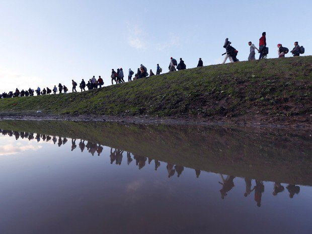 Mundo caminha para bater recorde de pessoas deslocadas, estima Acnur https://t.co/fkfDyZcADK #G1