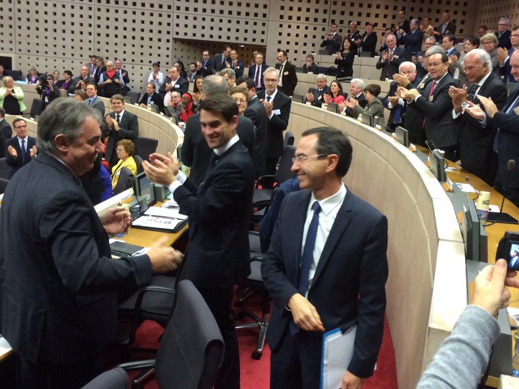 #Paysdelaloire. Bruno Retailleau élu président du conseil régional avec 54 voix et 39 votes blancs. https://t.co/PPJaa7IARU