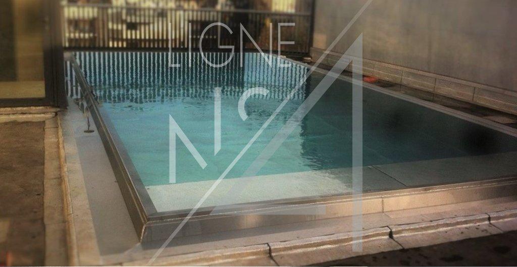 Lignenumero4 lignenumero4 twitter for Prix d une piscine miroir