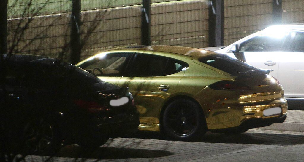 Picture of his Porsche Panamera Mansory   car
