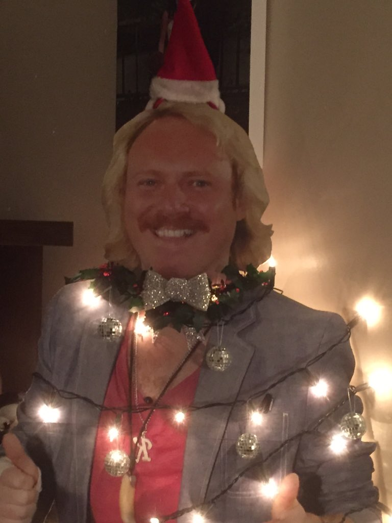 """RT @AndyWilsher: @lemontwittor my """"Keithmas"""" tree now has balls and a bow tie! Love it so much ❤️ best tree ever I'd say 🎄🎄🎄 https://t.co/h…"""