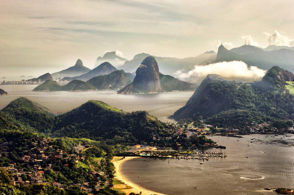 Niterói, Rio de Janeiro, Brasil #Landscapes4Lauren https://t.co/QgSD8Ki9wY