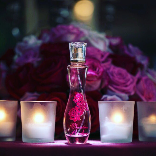 No 7: Birthday girl Christina Aguilera added her newest perfume to her impressive fragrance range in Florence. HB2U! https://t.co/UQWpqrwYmw