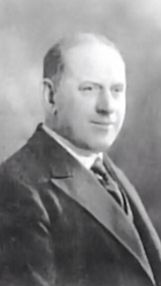 84 years ago this man saved #MUFC from bankruptcy. He would go on to start the club's youth team policy #jamesgibson https://t.co/59biptVwFr